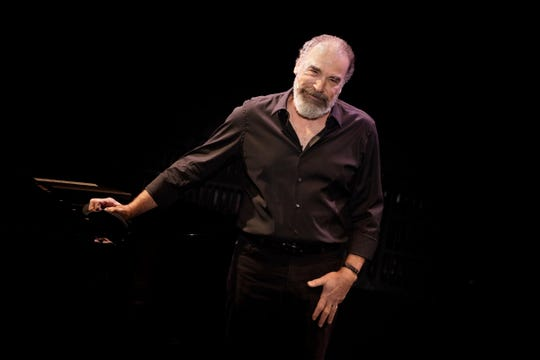 Mandy Patinkin will be performing Broadway hits and classic American tunes Thursday.
