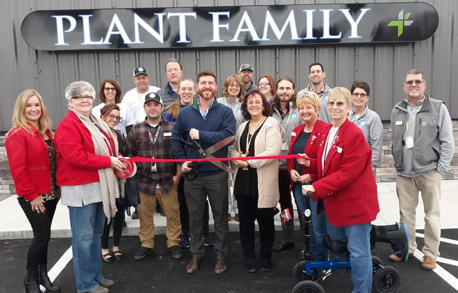 The Mountain Home Area Chamber of Commerce recently held a ribbon cutting for Plant Family Therapeutics, located at 5172 Highway 62 East in Mountain Home. Plant Family Therapeutics is a medical cannabis  company dedicated to meeting the growing need of healthy and non-addictive replacements to synthetic opioids. The company held its grand opening Monday. For more information find them on Facebook , visit their website at plant-family.com  or call them at (870) 709-0800.