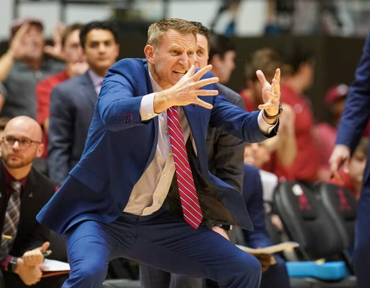 Feb 1, 2020; Tuscaloosa, Alabama, USA; Alabama Crimson Tide head coach Nate Oats during the first half against Arkansas Razorbacks at Coleman Coliseum. Mandatory Credit: Marvin Gentry-USA TODAY Sports