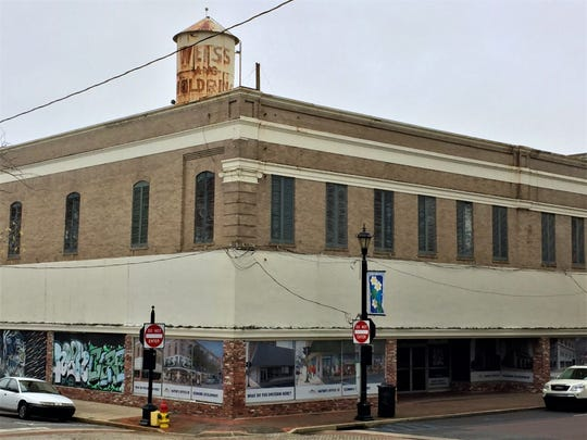 The Weiss and Goldring building has been vacant since the clothing store of that name moved out in the early 1990s.
