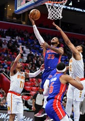 Pistons guard Derrick Rose (25) recently had a streak of 14 straight games with 20 or more points.