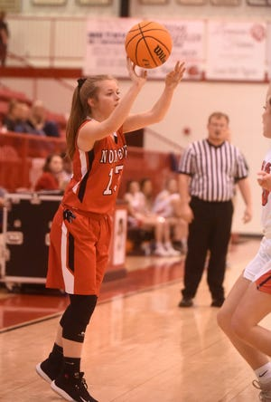 Norfork's Aaliyah Manes throws a pass into the paint against Lead Hill on Tuesday night.