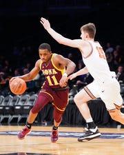 Isaiah Washington is leaving Iona after a career-best junior season.