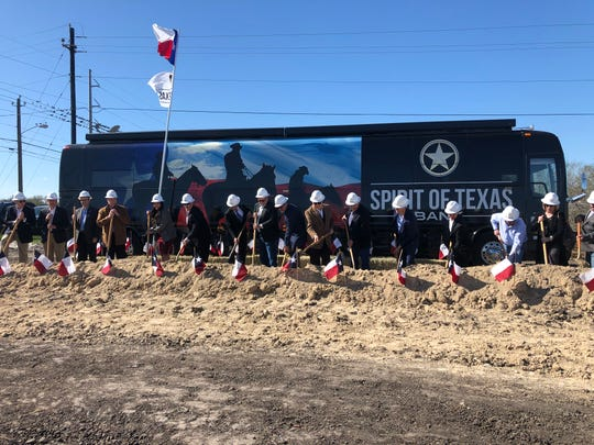 Spirit of Texas Bank hosted a ground breaking ceremony on Thursday for its first full-service bank in Corpus Christi. The building will span nearly 12,000 square feet.