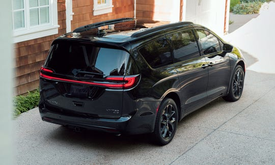 The 2021 Chrysler Pacifica lineup is highlighted by a new LED taillamp.