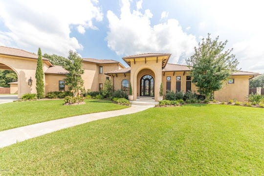 This south Lafayette mansion will never cramp ones style or need for space. With 4,499square feet and a spa-like master bathroom, this home is sure to surpass expectations. This home is on the market for$1,125,000, located on a 1.24 acre lot.