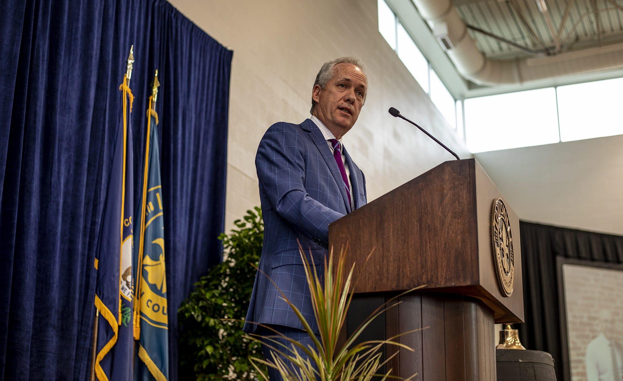 Bloomberg presidential debate: Louisville Mayor Fischer in Nevada