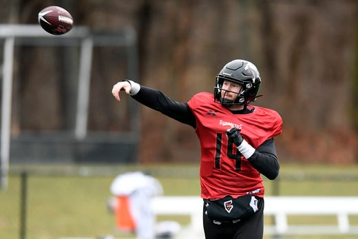 New York Guardians quarterback Matt McGloin throws the ball during practice on Thursday, Feb. 6, 2020, in Hillburn, N.Y.