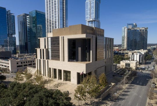 "The federal courthouse in downtown Austin is cited as having ""little aesthetic appeal"" in a federal draft document that calls for a return to classical architectural for federal buildings."
