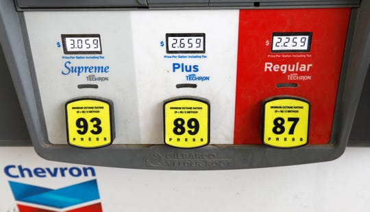 The Trump administration is dropping anantitrust investigation into Ford and three other automakers that agreed in principle with California to stricter fuel-economyrules than those backed by the president.