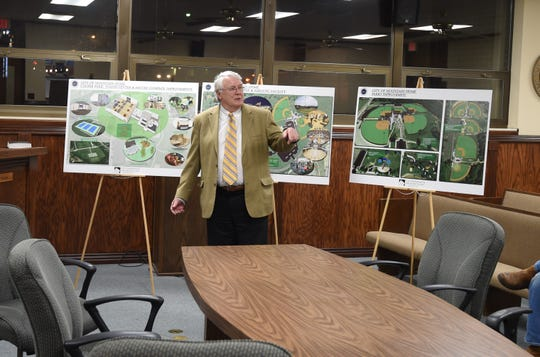 Perry Carr, vice president of ETC Engineers & Architects, Inc., addresses the Mountain Home City Council on Thursday night about building a community center and aquatic facility.