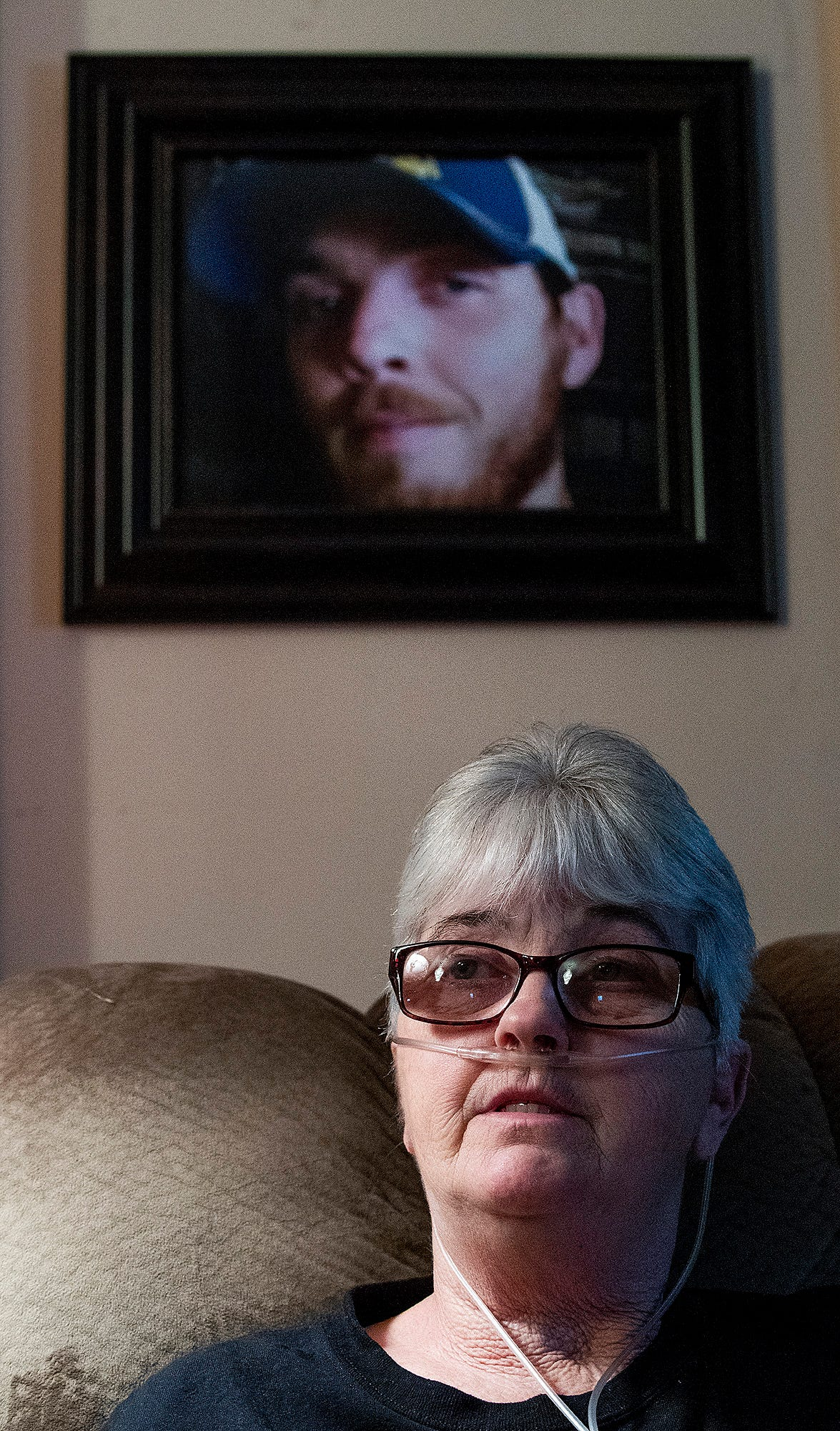 Sandy Ray discusses the death of son Steven Davis, whose photo hangs on the wall in her Uniontown, Ala., home. Davis was beaten by correctional officers in Donaldson Correctional Faculty and died of his injuries.
