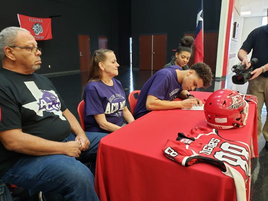 Electra senior Noah Caldwell signs a letter of intent to play football at Abilene Christian University on Friday, Feb. 7, 2020.
