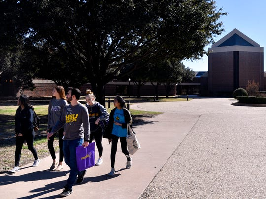 A group of prospective students tours Hardin-Simmons University on Saturday. The school announced late Friday that its Logsdon Seminary would be closing.