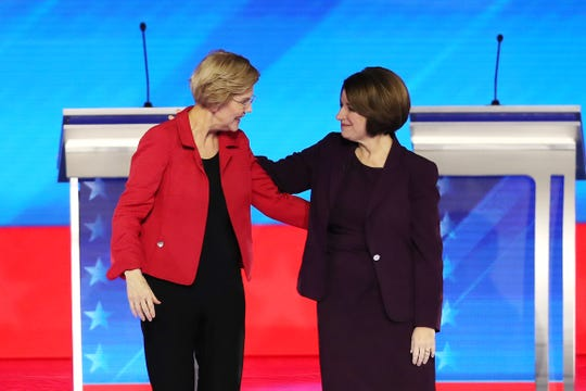 MANCHESTER, NEW HAMPSHIRE - FEBRUARY 07: (L-R) Democratic presidential candidates Sen. Elizabeth Warren (D-MA) and Sen. Amy Klobuchar (D-MN) greet each prior to the start of the Democratic presidential primary debate in the Sullivan Arena at St. Anselm College on February 07, 2020 in Manchester, New Hampshire. Seven candidates qualified for the second Democratic presidential primary debate of 2020 which comes just days before the New Hampshire primary on February 11. (Photo by Joe Raedle/Getty Images) ORG XMIT: 775475047 ORIG FILE ID: 1204728676
