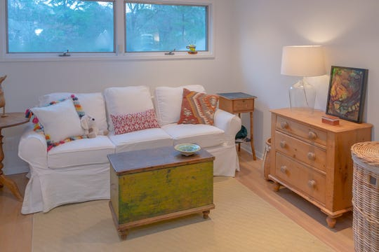 This guest room reflects the relaxed look of the East Memphis condominium.