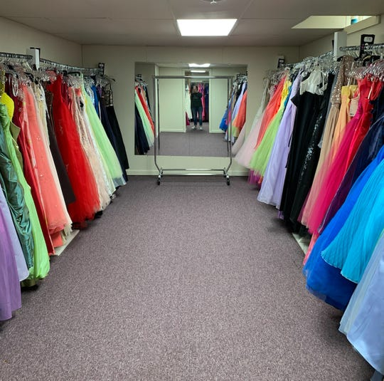 Becca's Closet offers free prom dresses to girls who need them.
