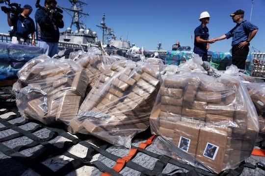 En esta imagen se observan partes de los paquetes confiscados.