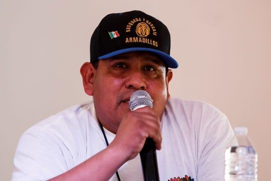 César Ortigosa, del Grupo Armadillos Búsqueda y Rescate, habla durante una rueda de prensa este viernes, en Ciudad de México (México).