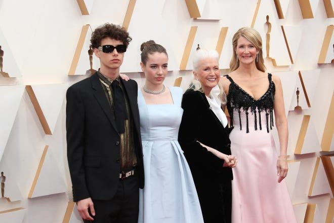 (L-R) Ellery Harper, Jaya Harper, Diane Ladd, and Laura Dern arrive at the 92nd Academy Awards at Dolby Theatre.