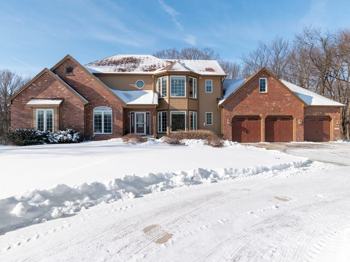This acreage near Ankeny comes with 39 acres of land and a home with more than 4,000 square feet of living space.