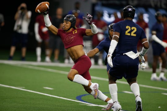 Gee Scott Jr., playing in a 7-on-7 tournament last summer, is part of what is being called one of the greatest recruiting hauls ever at the wide receiver position.
