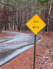 High water has closed Keithville-Kingston Road at the DeSoto Parish line.