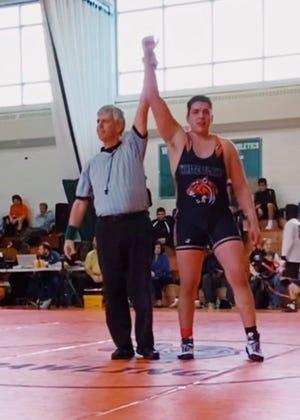 White Plains' 285-pounder Louis Padilla is voted lohud wrestler of the week