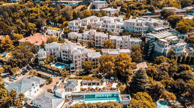 Four Seasons Hotel The Westcliff Johannesburg earned a Five-Star rating from Forbes Travel Guide.