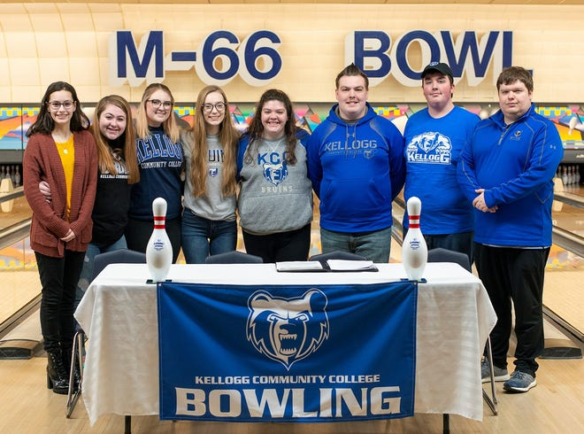 Kellogg Community College signed its first recruiting class as the college is adding men's and women's bowling as athletic programs at the school.