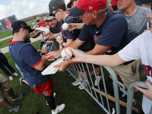 Spring training in Southwest Florida has officially begun. Pitchers and Catcher as well as a few other players for the Red Sox have reported in Fort Myers, FL. Red Sox fans gathered to try and get an autograph from their favorite players.
