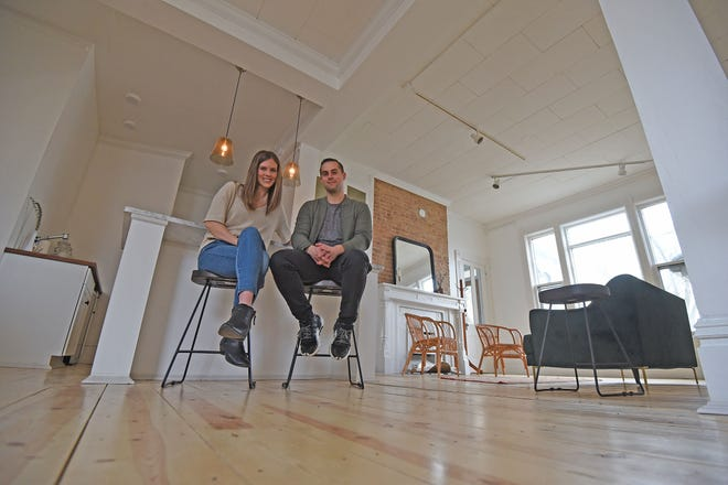 Alyssa and Eric Biddle rehabbed 43 South Mulberry Street and have now call it The Gallery on Mulberry. It is a space for rentals and gallery showings.