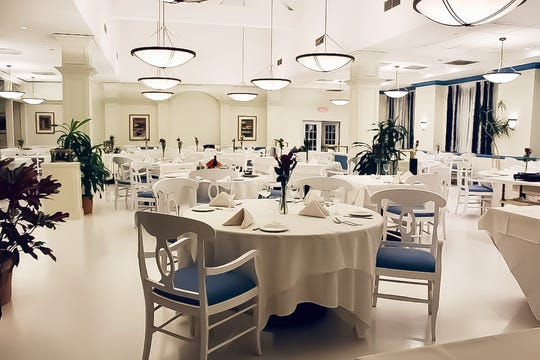 The dining room of BiancoBlu in Edgewater