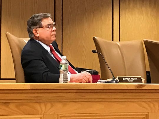Mahwah Mayor John Roth issued an apology for his behavior at a January employee party during the Feb. 6 council meeting.