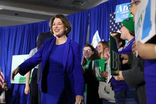 La que sorprendió fue la senadora Amy Klobuchar, quien quedó en tercer lugar por encima de Joe Biden.