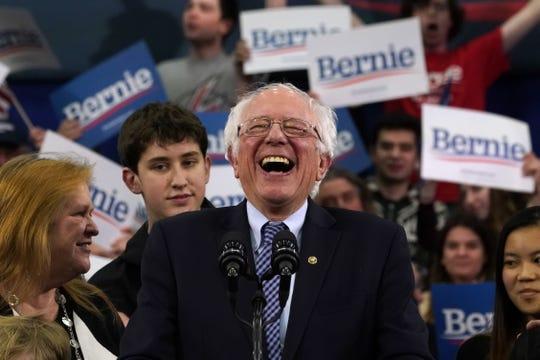 Bernie Sanders celebra victoria en New Hampshire, en las primarias demócratas.