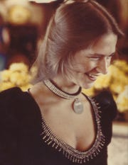Dana Jennings as a cocktail server in 1981.