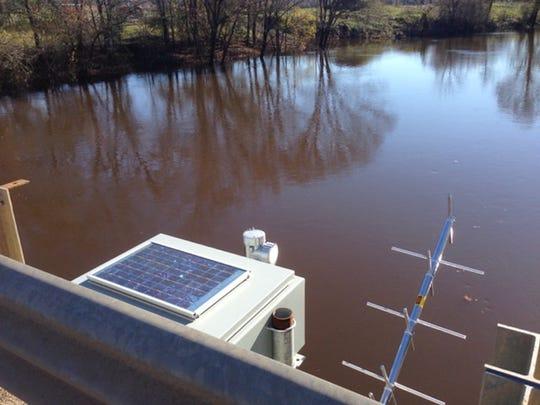 Water level gauge at Lake Bistineau.