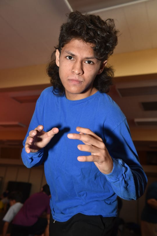 Nordhoff High senior Armando Gomez won a league wrestling title for the second straight year, just nine months after an accident cut off a good portion of six fingers and required 17 hours of surgery.