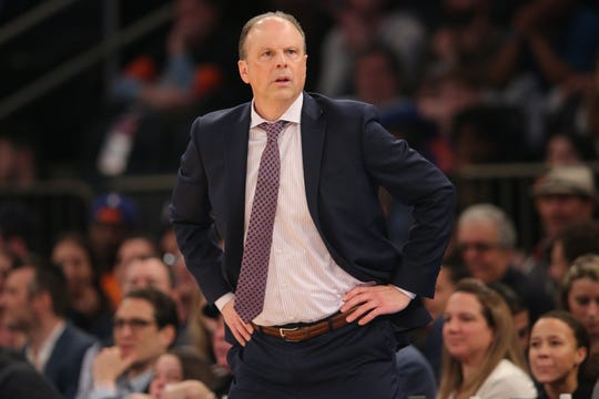 Feb 12, 2020; New York, New York, USA; New York Knicks interim head coach Mike Miller coaches against the Washington Wizards during the first quarter at Madison Square Garden.