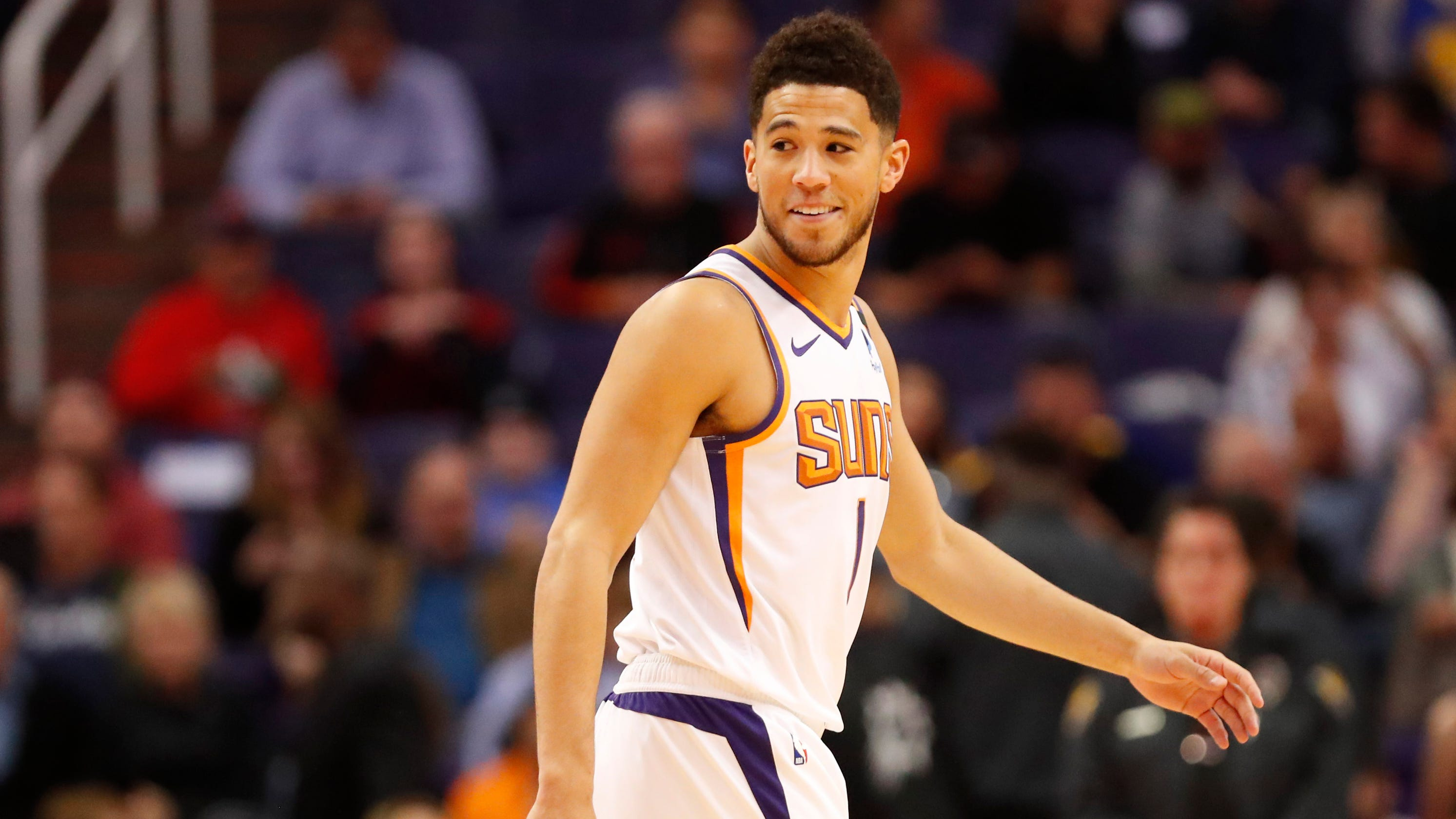 Devin Booker scores 27 in Suns' win over Warriors, may find spot in all-star game
