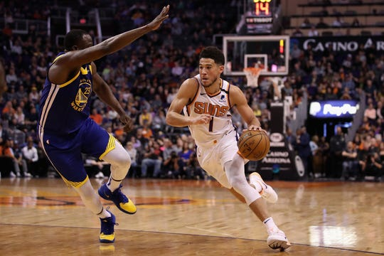 Devin Booker fue el líder del ataque de Suns.