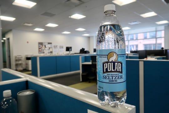 Polar Seltzer Plain (or Ghost)
