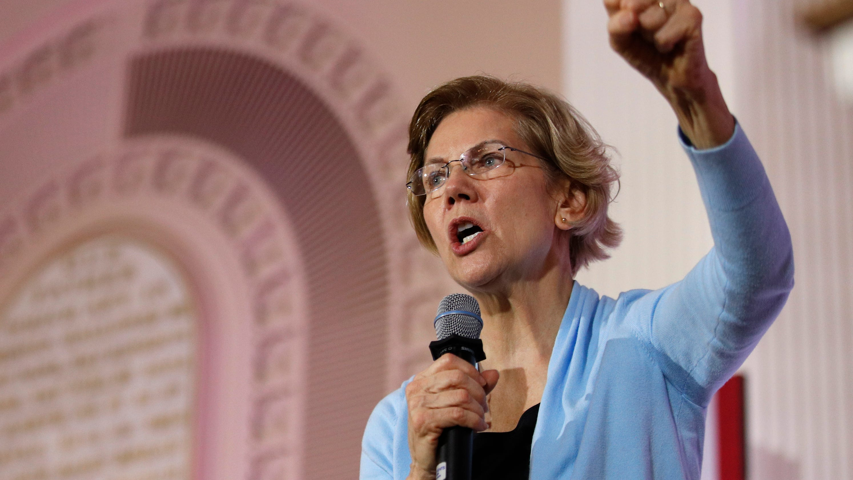 'A plan to fight back': How Elizabeth Warren stumbled in New Hampshire and her plan for 'the long haul' thumbnail