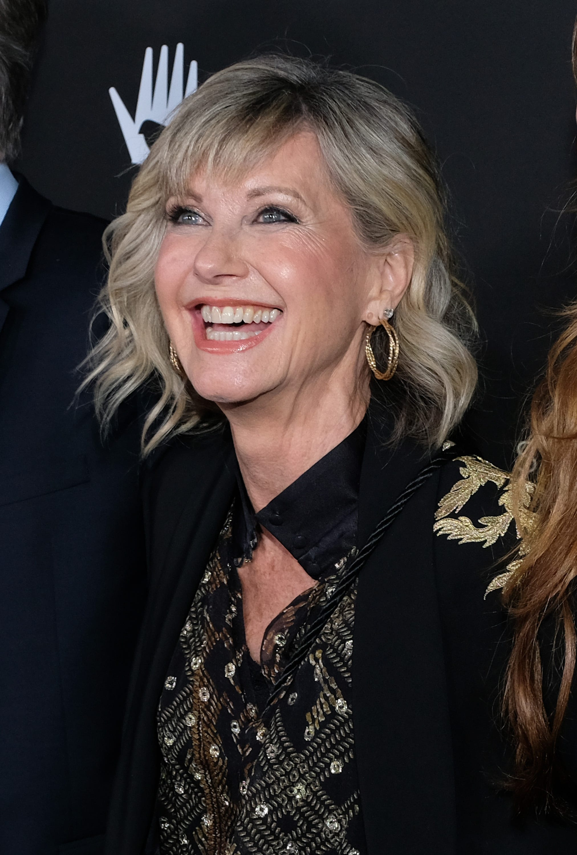 Olivia Newton-John says she s feeling  fantastic,  gives breast cancer update