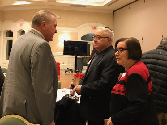 Founder David Bach visits with long-time supporters Bob and Susan Yudin.