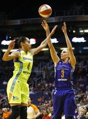 Diana Taurasi (3) and Skylar Diggins-Smith (4) are now Phoenix Mercury teammates after a trade this week to acquire Diggins-Smith from the Dallas Wings.