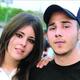 Fotografía de Diego Santoy, al lado de su entonces novia Erika Peña Coss.