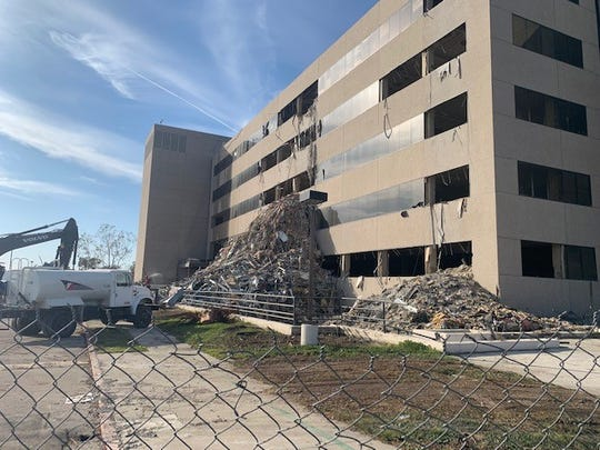 Demolition of the long-vacant former Farmers Insurance building in Simi Valley has finally begun to make way for The Enclave, a mixed-use development with 164 residences for sale and 6,000-square-feet of commercial space.