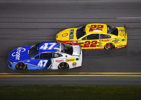 Joey Logano (22) prepares to pass Ricky Stenhouse Jr. (47) during the Bluegreen Vacations Duels.